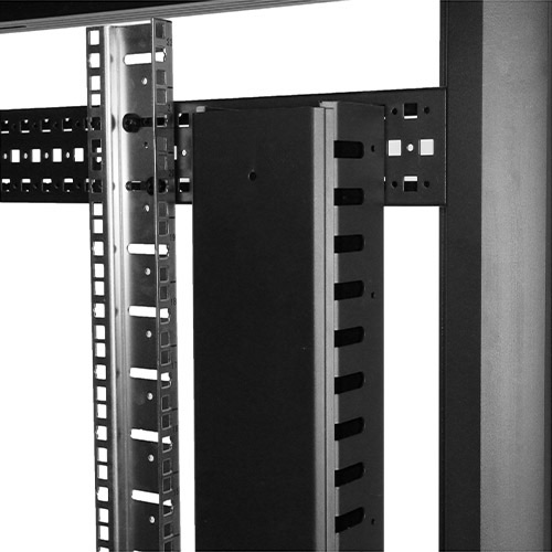 Photo showing the cable management panel installed in a rack using the horizontal mounting rail method