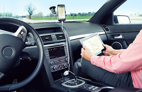 Charging a Samsung phone in a car phone mount while charging the passenger?s iPad